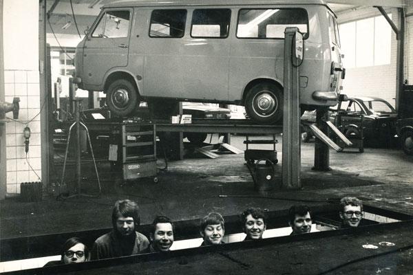 Werkplaats motorreparatie onderhoud